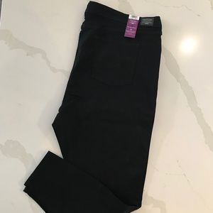 NWT Levi's Gold Mid Rise Skinny